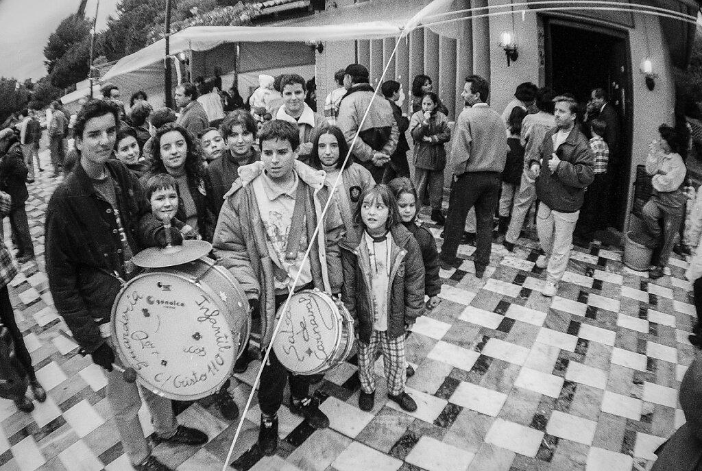 Los niños de una guarderia componen una canción para los encerrados